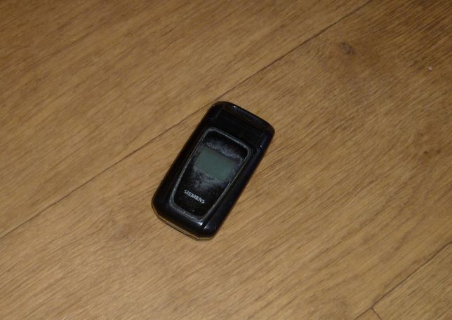 Телефон SIEMENS CF62. Продается как нерабочий.