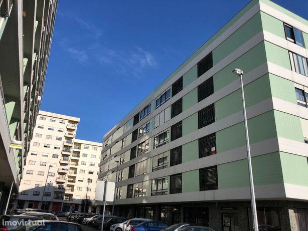 Apartamento T3 - Arrendamento - Porto