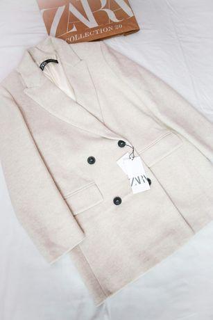 Пальто із шерсті Zara