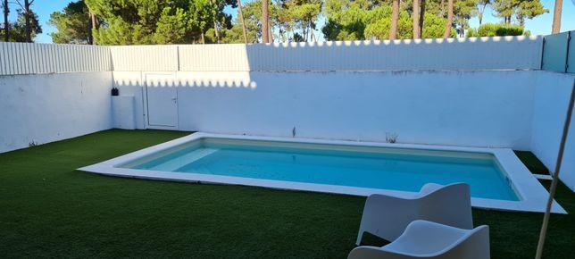 Fantástica moradia com piscina no cond. Belo Jardim em Samora Correia!