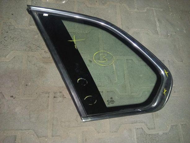 szyba tylna boczna prawa BMW E70