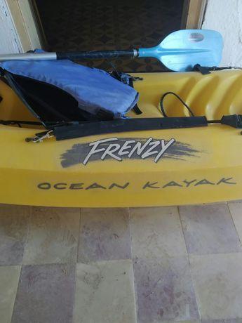 Kayak Frenzy + pagaia + colete + fato + bidon estanque