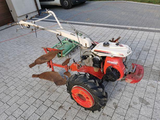 Ciągnik ogrodniczy jednoosiowy Kubota T 750 pług, glebogryzarka, brona