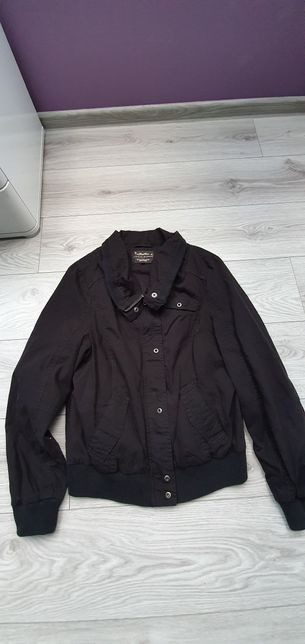 Czarna krotka kurtka rozmiar L