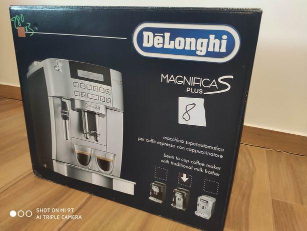 Expres ciśnieniowy DeLonghi Magnifica S Plus 22.323B Nowy