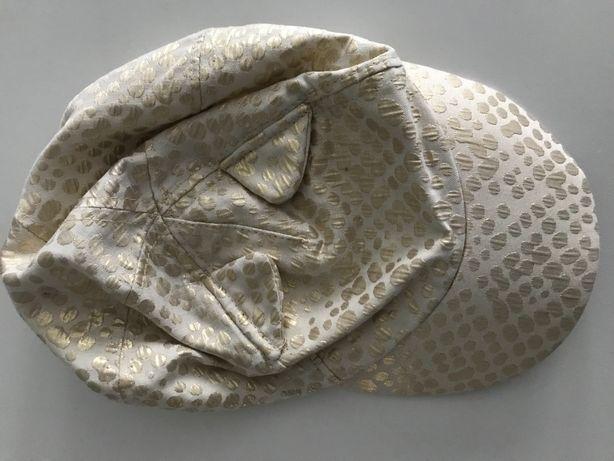 Złota czapka H&M z uszkami, r. 6-8 lat