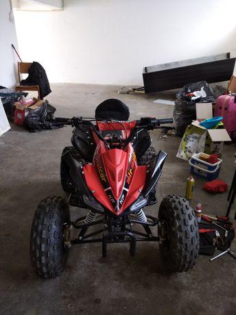 Moto 4 roda 8 semi nova ( 1 depósito)