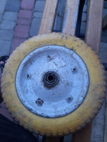 Колесо 3.00-8 (13х3) пінополіуретанове, ступиця 92 мм