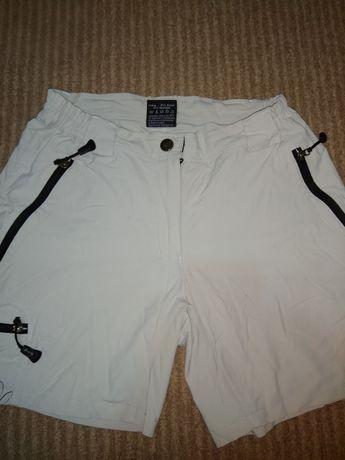 Продам женские стрейчевые летние шорты