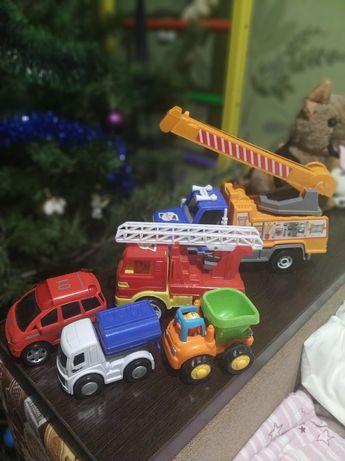 Машинки кран, пожарная, гоночная.