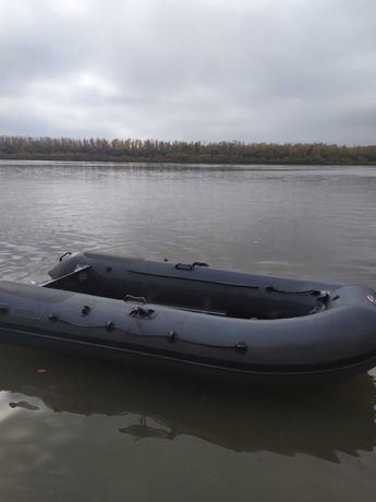 Продам новую лодку