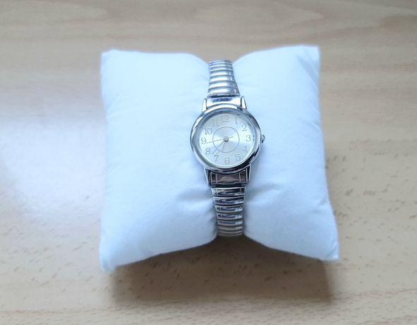 Relógio em aço inoxidável (COMO NOVO)
