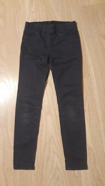 Sprzedam spodnie dziewczece reserved 146