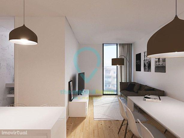 Apartamento T2 com Terraço e Garagem - no Bonfim - Centro...