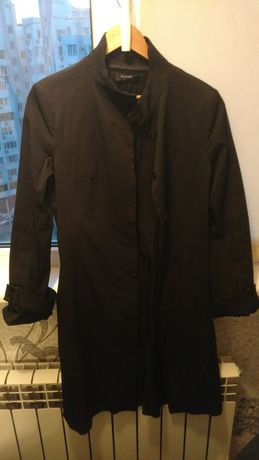 Продам черный женский плащ пальто