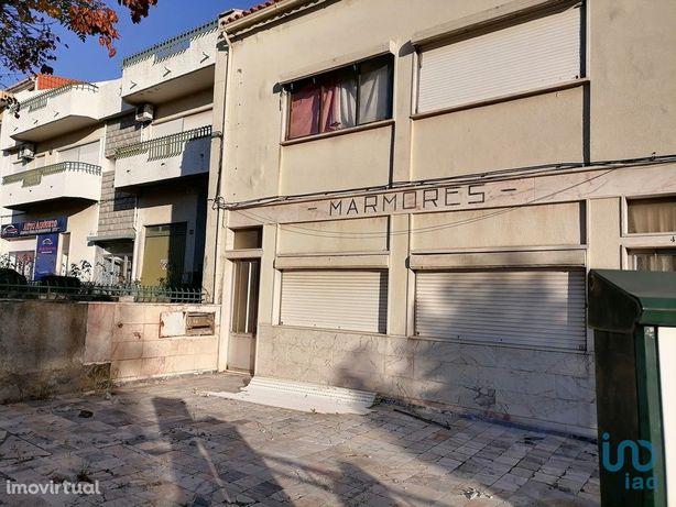 Moradia - 135 m² - T5