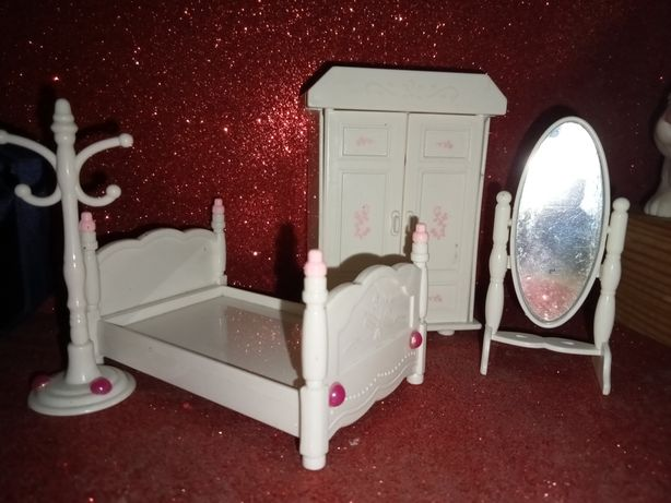 Меблі для ляльок і лпс