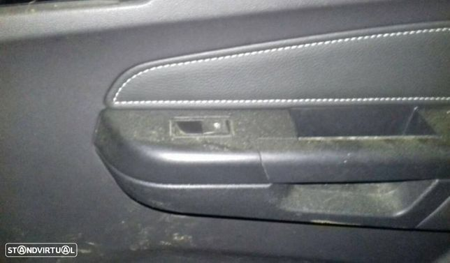 Interruptor Vidros Tras Direito Opel Zafira / Zafira Family B (A05)