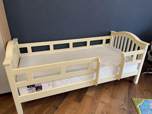 Ліжко дитяче підліткове з матрацом.