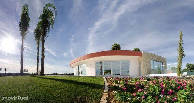 Villa moderna para venda perto da Quinta do Lago