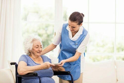 Услуги сиделки за тяжело больными