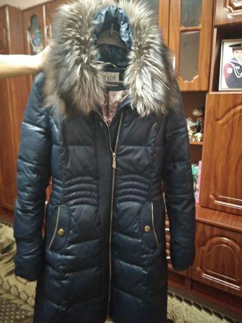 Пальто жіноче...