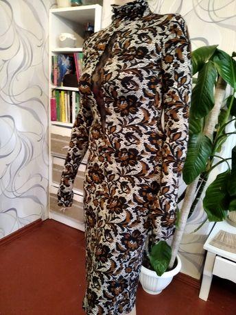 Плаття міді з довгим рукавом
