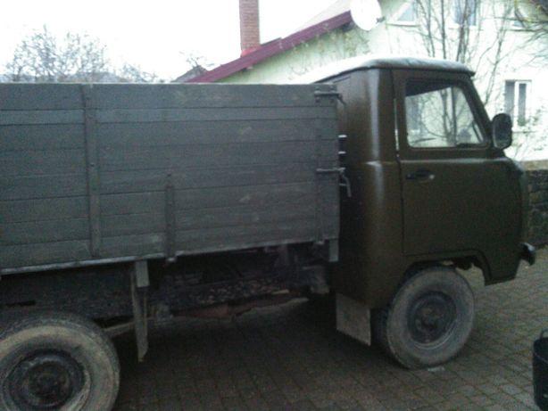 УАЗ 452 автомобіль