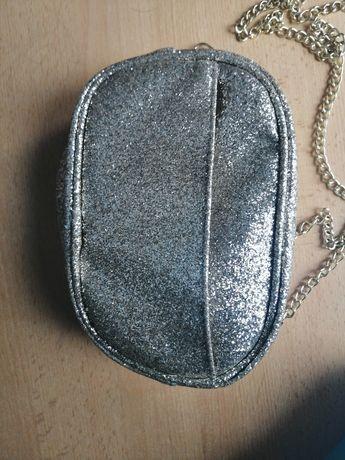 Złota brokatowa torebka
