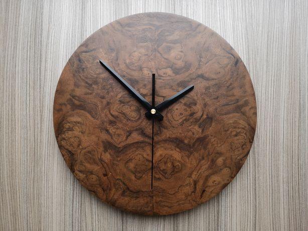 Часы настенные шпонированные ручной работы