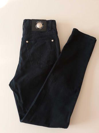 Granatowe spodnie Versace wysoki stan