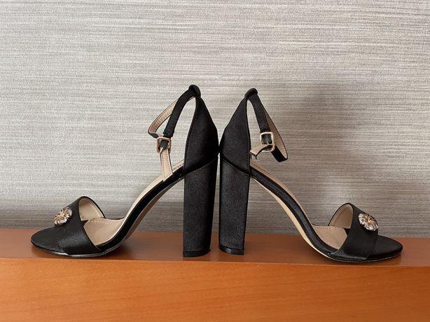 Sandalias tamanho 37