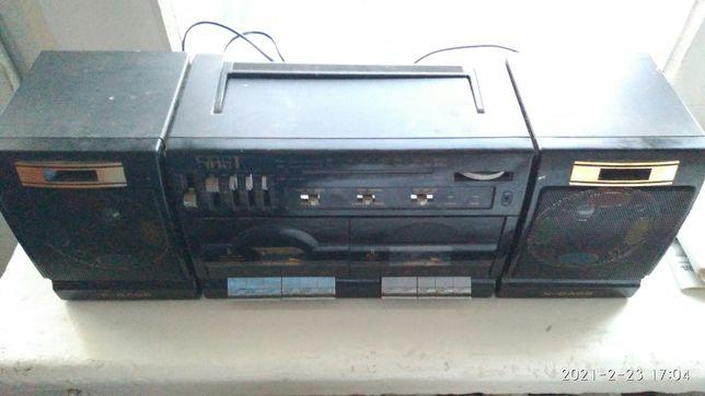 Двухкассетная магнитола First 136