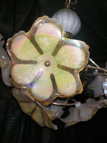 Люстра з квітами