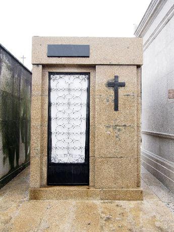 Capela Jazigo de família - Cemitério Agramonte - 4 Lugares