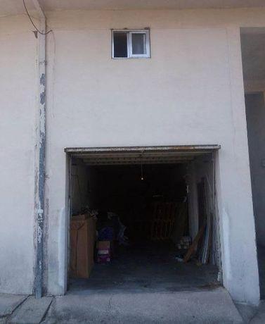 Garagem tb dá para armazém