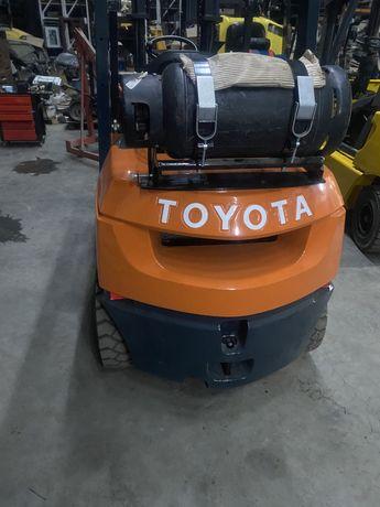 Погрузчик навантажувач Toyota тойота не nissan linde газ бензин
