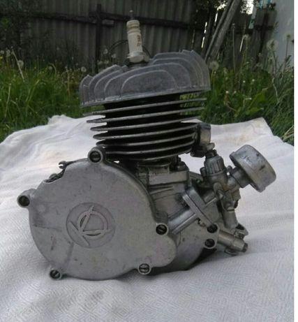 Двигатель д-8