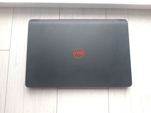 Laptop gamingowy dell