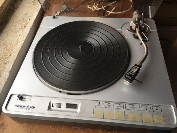 проигрыватель винила, виниловых пластинок стерео, програвач магнитофон