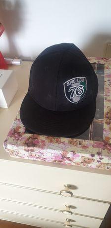 Vendos 2 chapéus juve leo