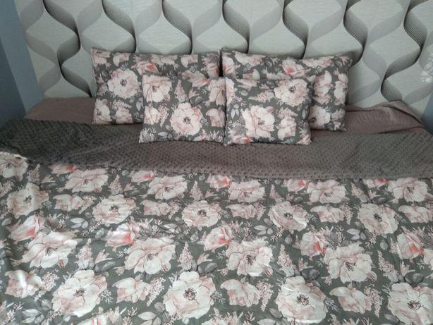 Narzuta na łóżko dwustronna minky/bawełna + poduszki