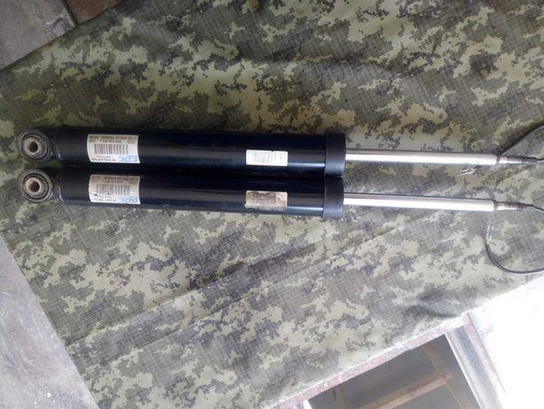 Продам амортизаторы на АУДИ А6С7 S-line