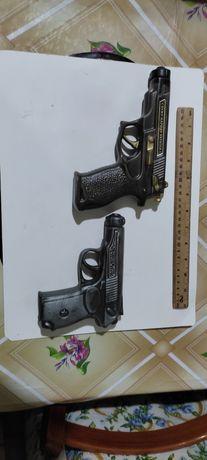 Продам Штофы для алкоголя пистолеты для коллекции