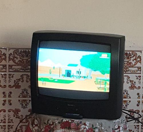 televisao / tv com comando (a funcionar bem)