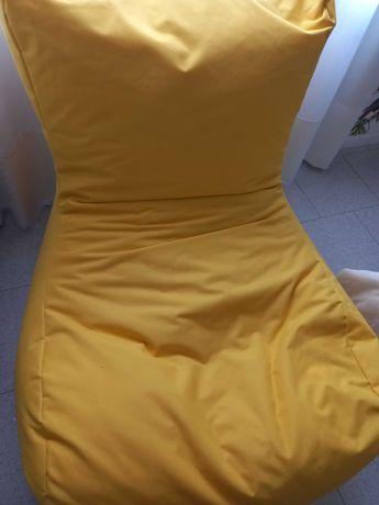 Puff amarelo Novo