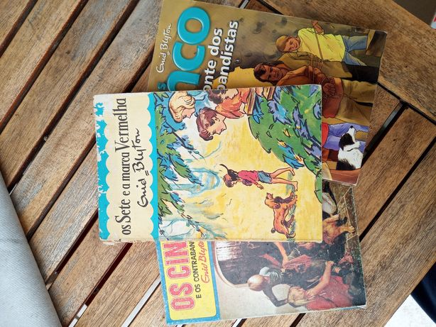 Vários livros de coleção os cinco e os sete