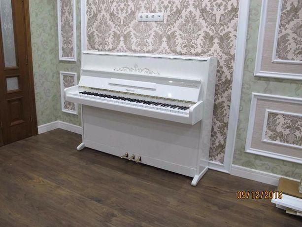 Белое пианино PETROF, Weinbach (піаніно, фортепіано)