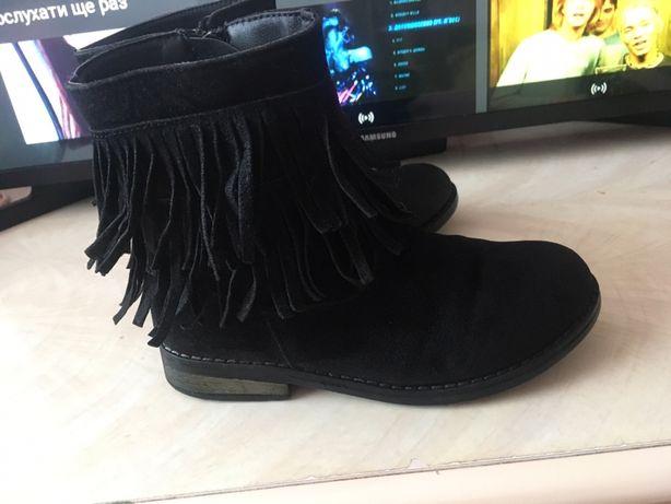 Черевики, чобітки, ботинки для дівчинки