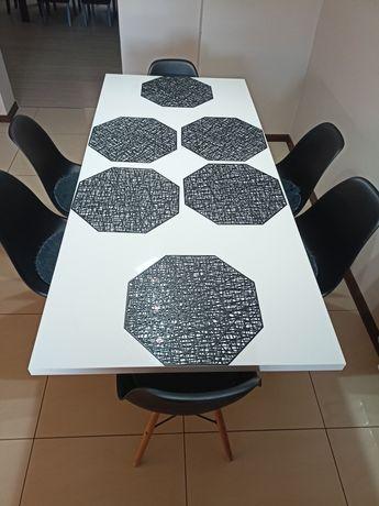 Stół nowoczesny,połysk,oraz 6 nowoczesnych krzeseł.Kuchnia,salon